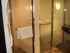 シャワーブースと寝室用トイレ