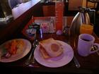 コンチネンタル朝食例