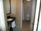 洗面台とバスルーム