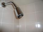 壁付けシャワーヘッド